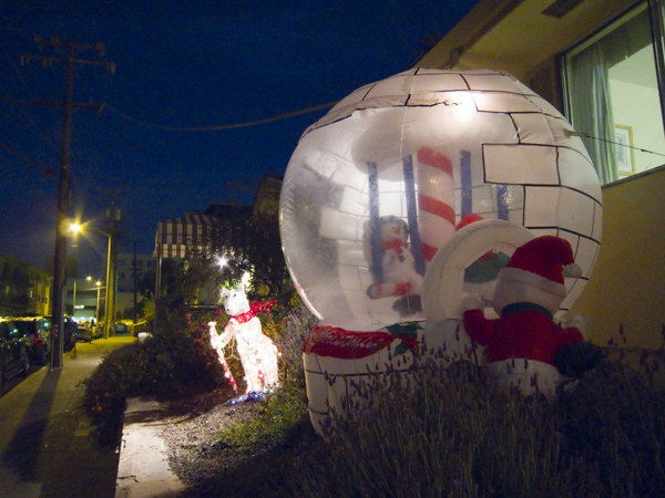 frosty the snowman, christmas ball, christmas is here