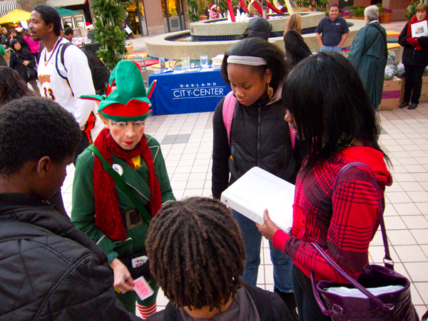 Christmas elf, magic elf, city center tree lighting