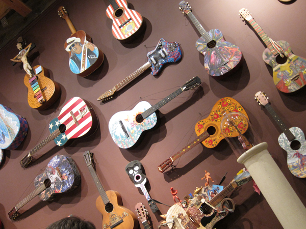 guitar art, the guitar show, painted guitars