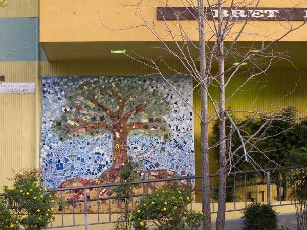 oakland pride, oakland tree, oakland tree mosaic, oakland mosaic art
