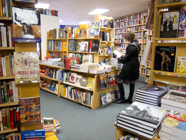 oakland independent bookstores