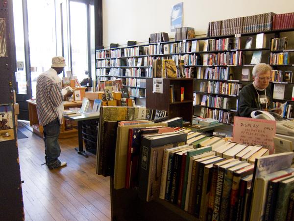 friends of oakland public library, non-profit bookstore oakland