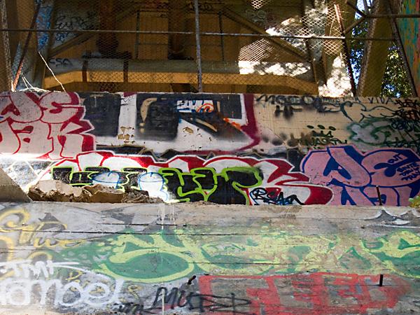 graffiti writing, leimert bridge