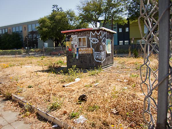 empty lot west oakland, vacant lot art installation, west oakland graffiti