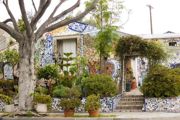 mosaic house in santa monica, house covered in mosaics