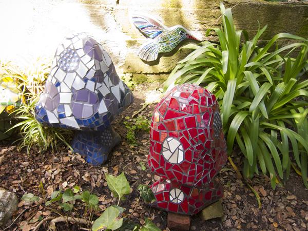 garden mosaic sculptures, kim larson garden mosaics