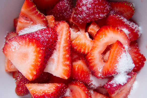 strawberries and sugar, strawberry topping