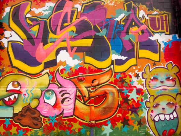girl graffiti murals, west oakland graffiti, oakland graffiti art
