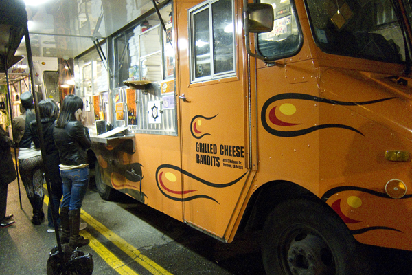 Off the Grid, grilled cheese bandits, off the grid food trucks